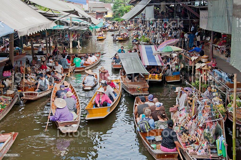 Famous Damnoen Saduak floating market in Thailand stock photo