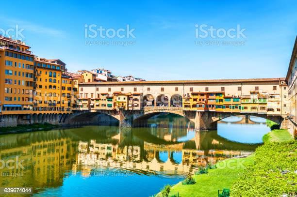 Famous landmark ponte vecchio in florence italy picture id639674044?b=1&k=6&m=639674044&s=612x612&h= ozktj8bihnl91vwafi48w4f uoebrpdmznl6t4caj0=