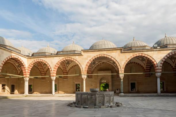 berühmte osmanische historische selimiye moschee erbaut von architekt sinan in edirne-türkei - selimiye moschee stock-fotos und bilder