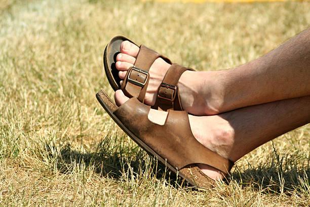 유명한 sandles - 샌들 뉴스 사진 이미지