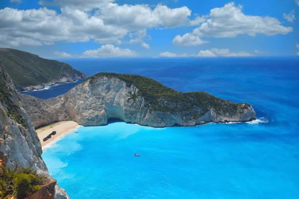 유명한 난파선 베이, 나바지오 해변, 자킨토스 섬, 그리스. 지구상에서 가장 인기있는 장소 중 하나 - 이오니아 해 뉴스 사진 이미지