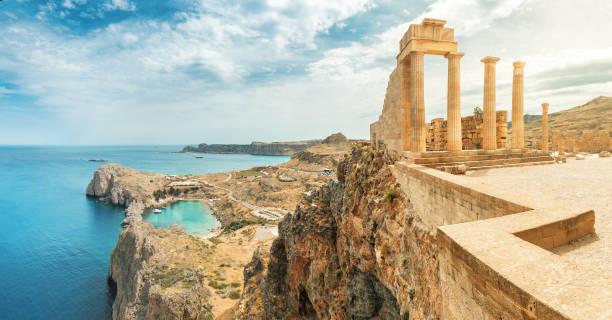 famous tourist attraction - acropolis of lindos. ancient architecture of greece. travel destinations of rhodes island - grecja zdjęcia i obrazy z banku zdjęć