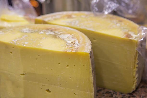 Berühmte traditionelle Cheddar-Käse-Brötchen auf Kars Türkei – Foto