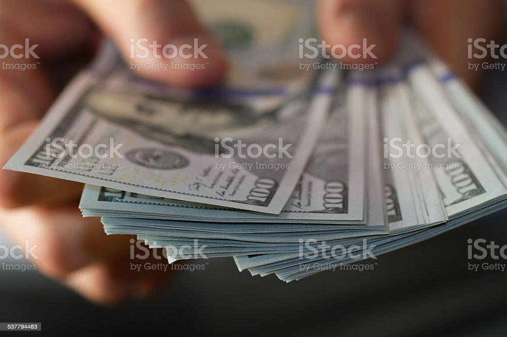 Fan von Hundert-dollar-Noten in der Hand – Foto