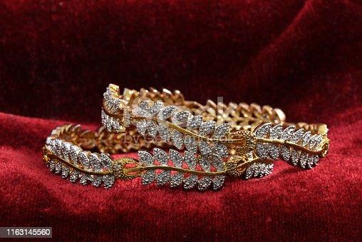 Fancy designer bracelets jewelry for woman fashion