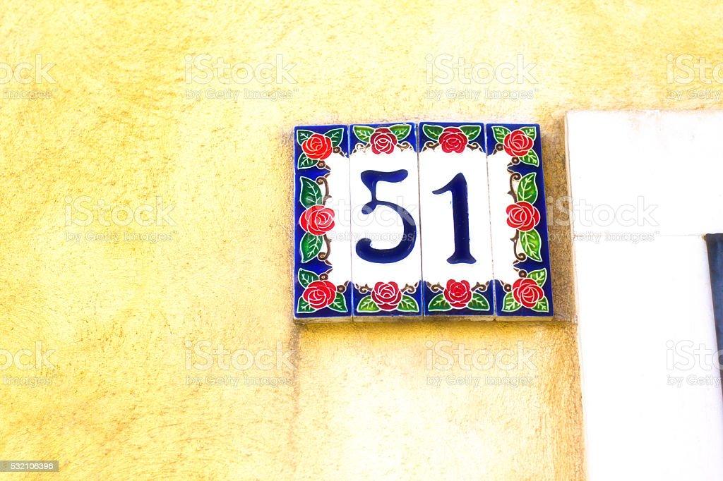 Fantasia floreale numero indirizzo di piastrelle in ceramica