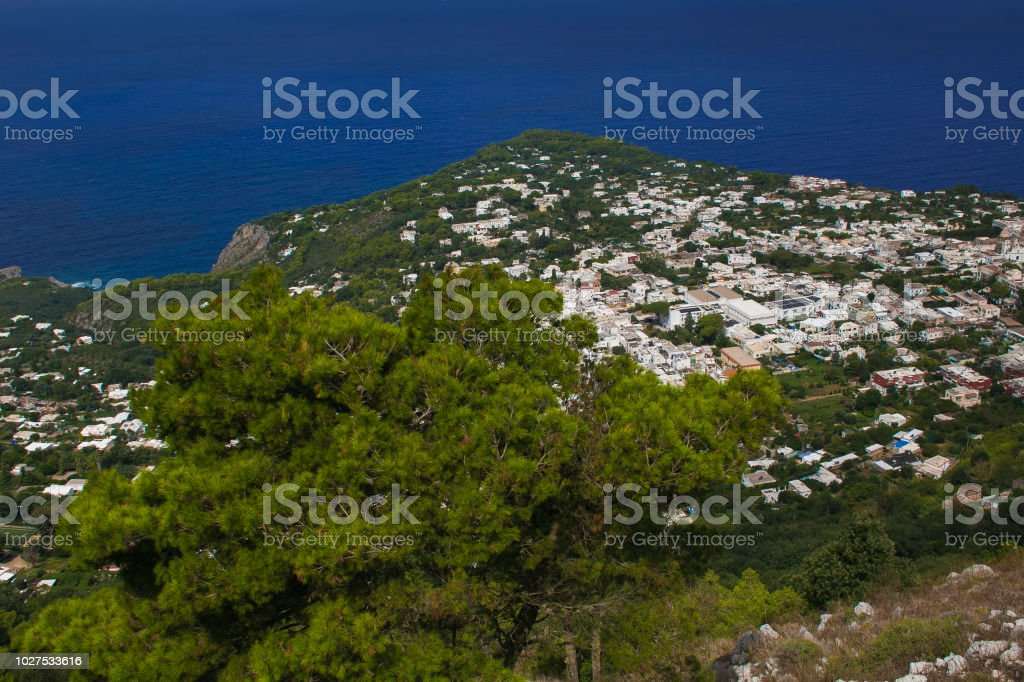 Fantastic blue sea of Capri island in Italy - foto stock