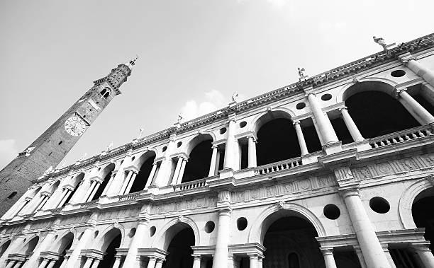 fantastische white palladianischen basilika in vicenza, italien - vicenza stock-fotos und bilder