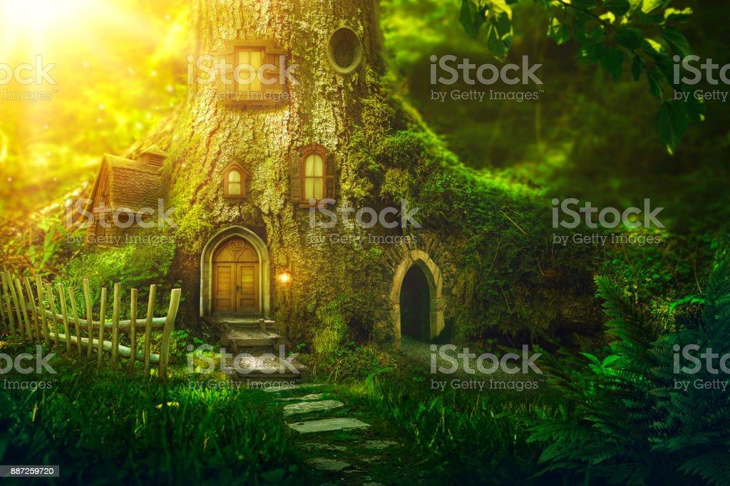 Fantaisie tree house photo libre de droits