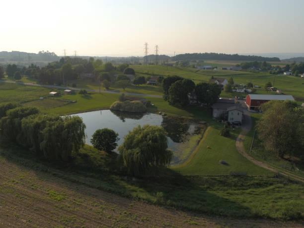 farm aerial overview lebanon pennsylvania usa - lebanon стоковые фото и изображения