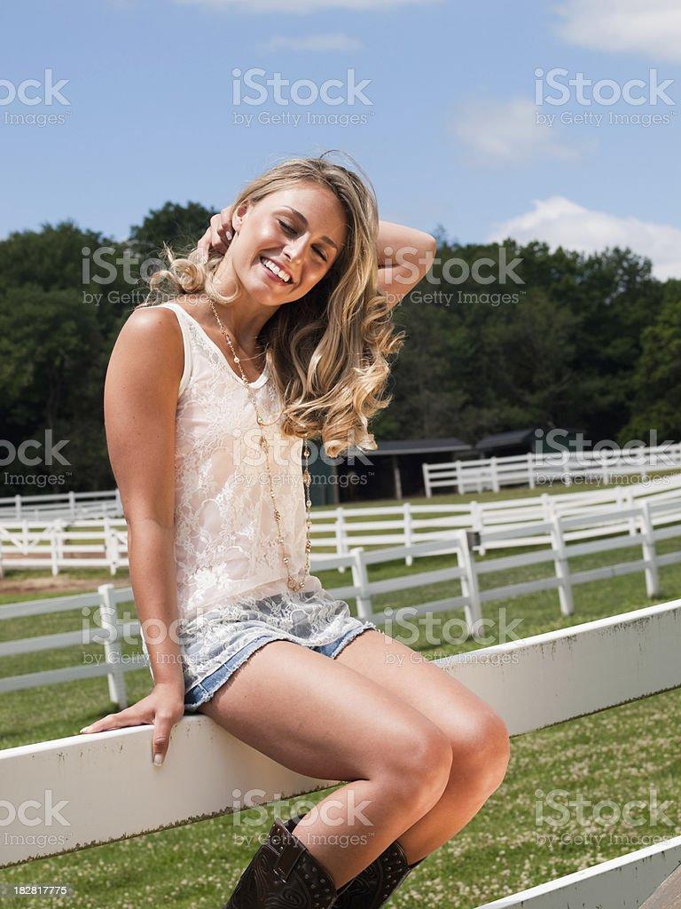 Pics farm girl Banshee Moon