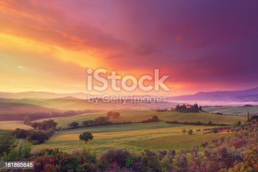 istock Farm in Tuscany at dawn 181865645