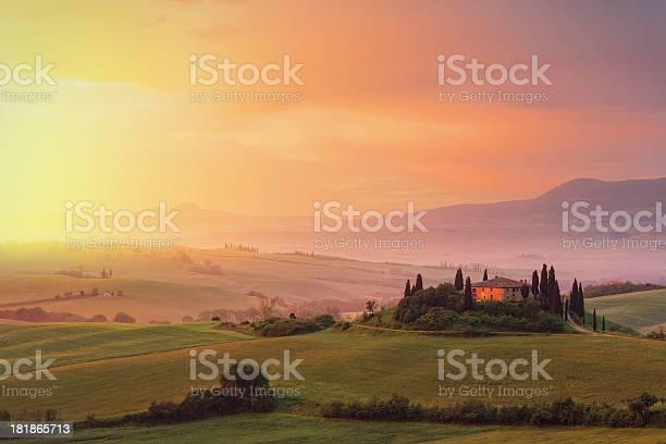 Farm in tuscany at dawn picture id181865713?b=1&k=6&m=181865713&s=612x612&h=3x3jeuiirslzv7gxuwqcarfufaryz8sigjsigqwvn8q=