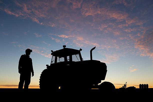 Farmer im Morgengrauen – Foto