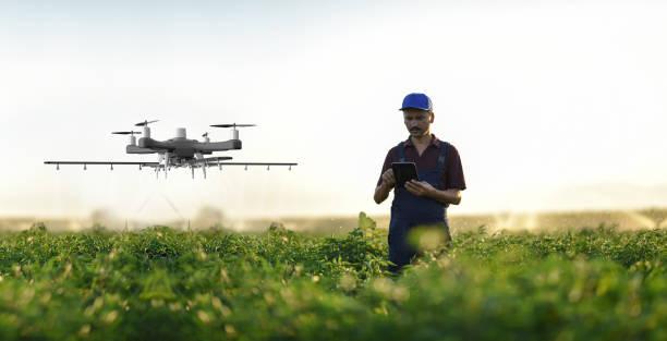 Landwirt betreibt Smart-Bauer-Drohne – Foto