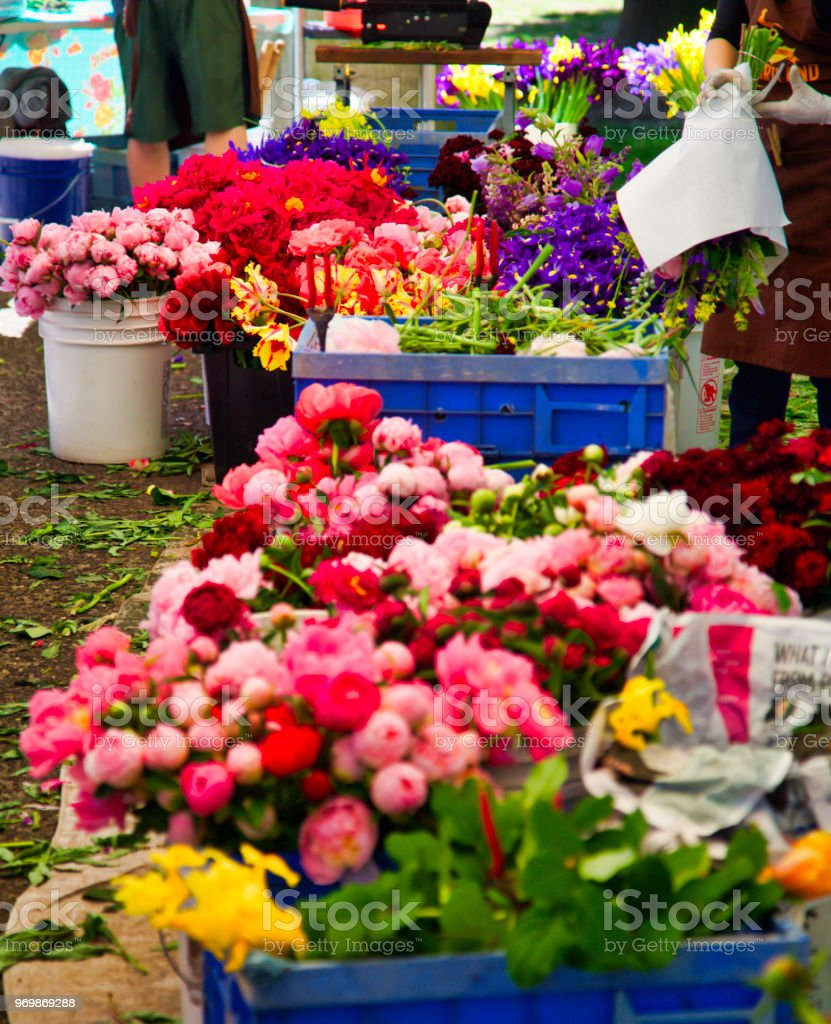 Farmers Market Flower Stand Making A Bouquet Of Flowers Stock Photo