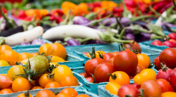 Farmers Market Vegetables with Tomatoes Farmers Market Vegetables with Tomatoes farmer's market stock pictures, royalty-free photos & images