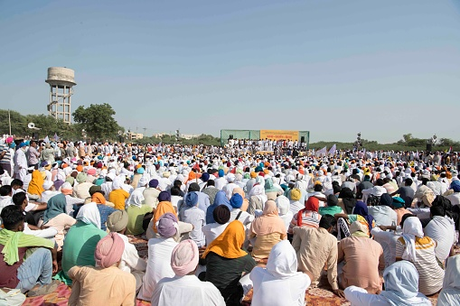 More than 10,000 farmers gathered in Dusshera ground of Sirsa to demand resignation of Dushyant Chautala, DCM of Haryana over the three new agricultural bills passed by central govt.