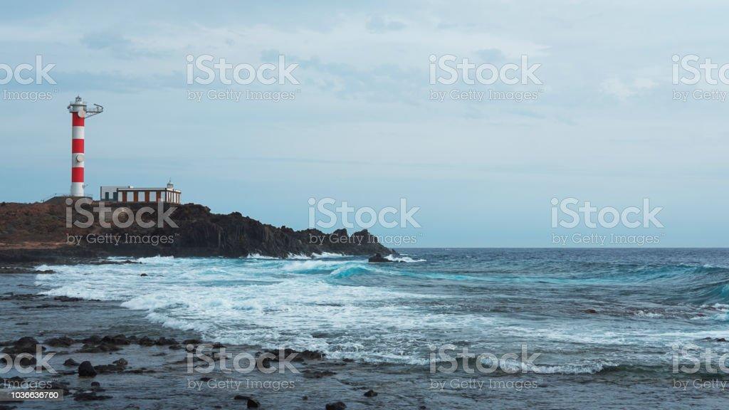 Faro de Punta Rasca o faro de Punta Rasca, Palm Mar, Tenerife, Canarias, España - foto de stock