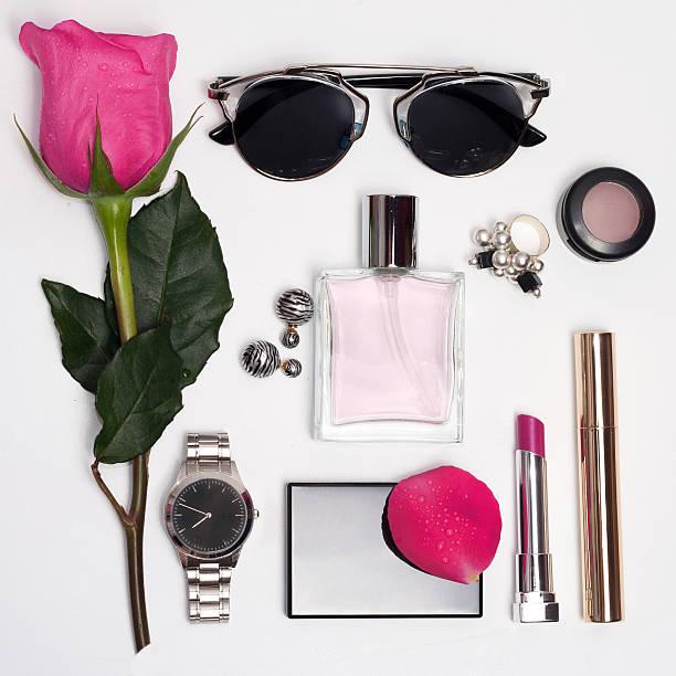 fashion accessories for woman. top view - ohrringe rose stock-fotos und bilder