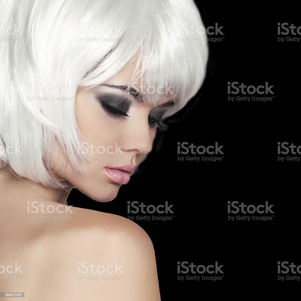 Fashion Beauty Portrait Einer Frau Weiße Kurze Haare Isoliert Stock