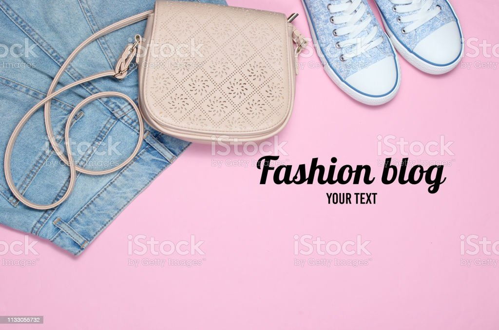 en stock style classique de 2019 chaussures de course Photo libre de droit de Blog De Mode Vêtements Chaussures Et ...