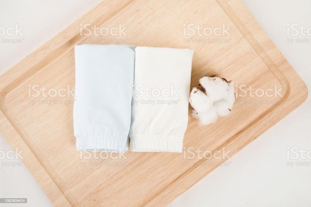 Mode Bebe Bleufille Shorts Isole Sur Fond Blanc Pour Garderobe De