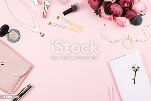 istock Fashion collection with accessories, flowers, cosmetics, purse and jewelry, copyspace. Womens Day concept 906850936