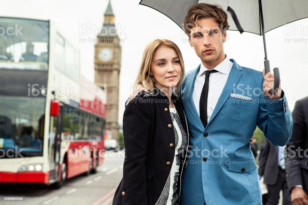 Casal da moda de Londres - foto de acervo