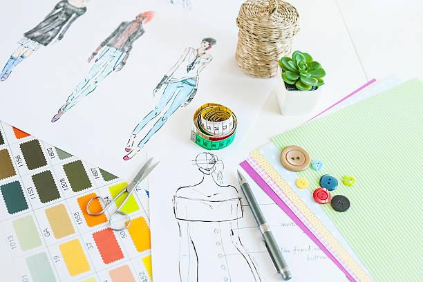 styliste de bureau - croquis de stylisme de mode photos et images de collection