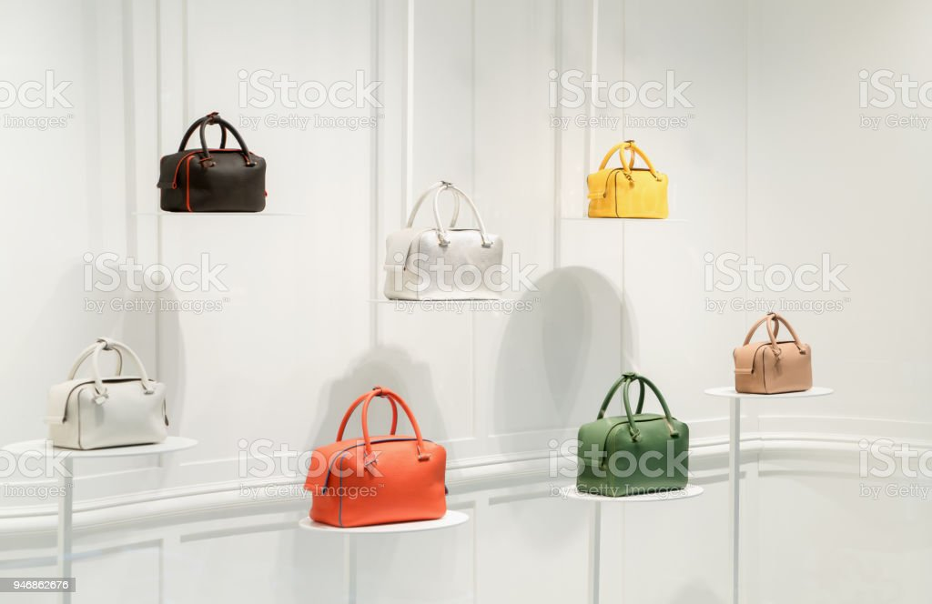 super cheap order online detailed look Fashion Handbags In A Shop Window Stock Photo - Download ...