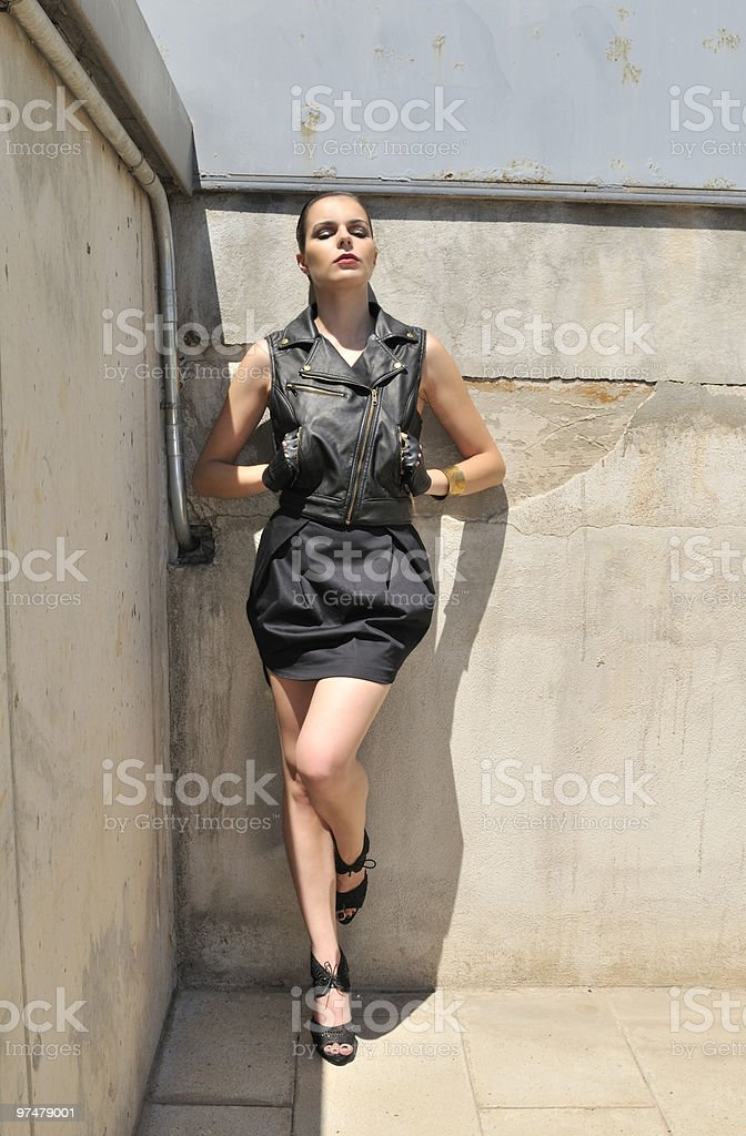 Modelo De Moda En Vestidos Chaleco Y Minifalda Foto De Stock