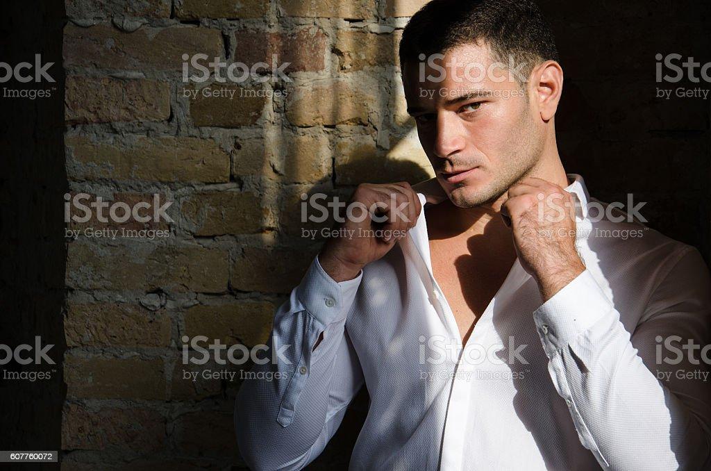 Fashion model posing in formal suit - foto de acervo