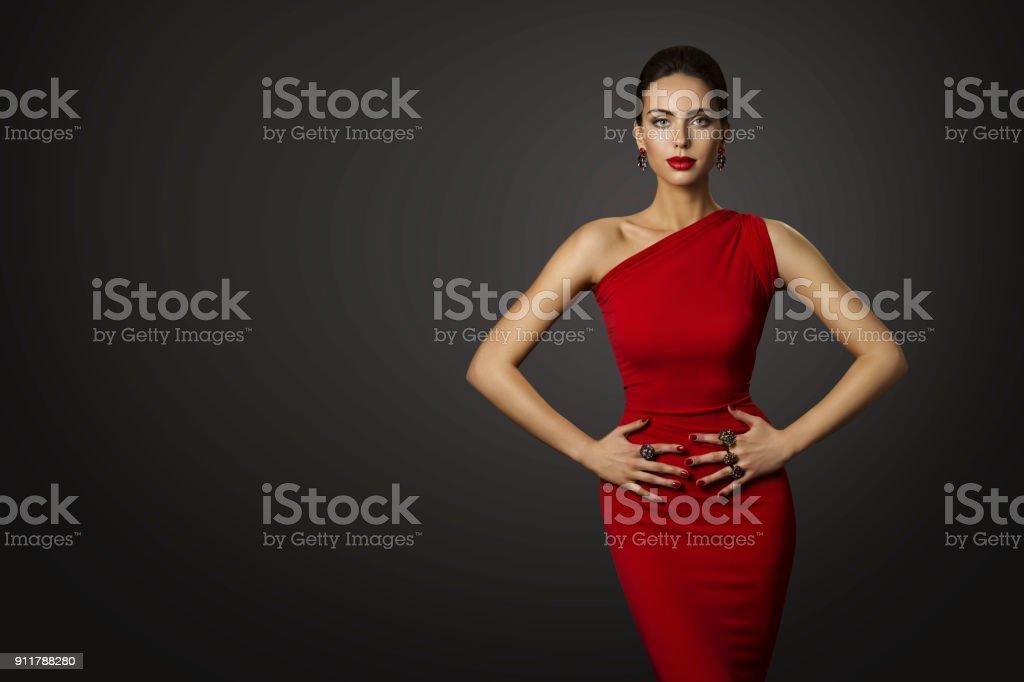 7675ab92d2a1 Mode Modell Rotes Kleid Elegante Dame In Sexy Abendkleid Schöne ...