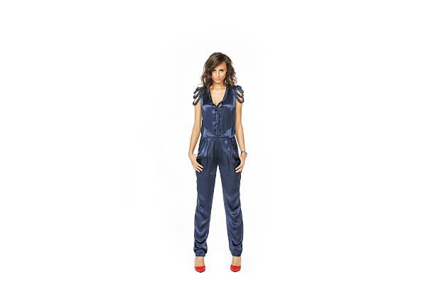 model stehend overall in blau - jumpsuit blau stock-fotos und bilder