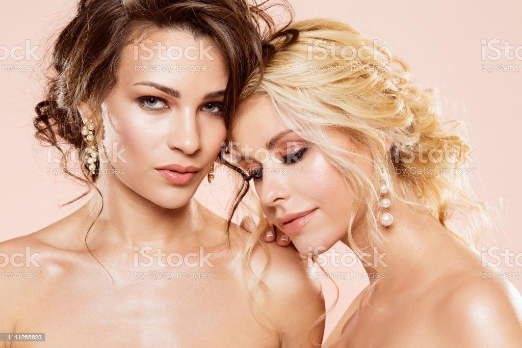 Lesbian seduction pictures