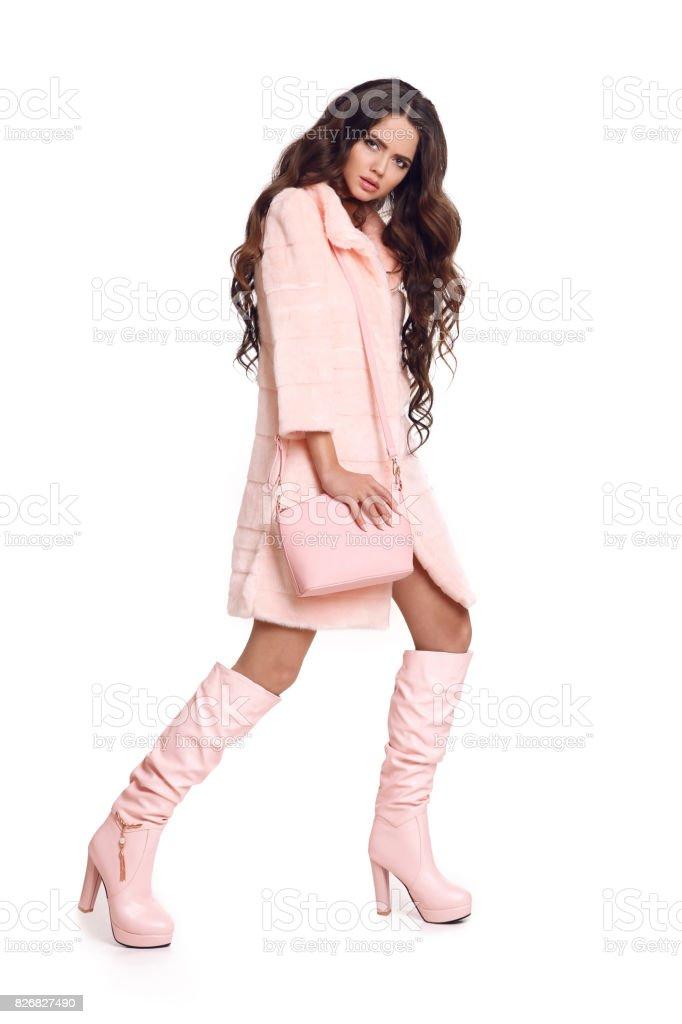 Botas y abrigos de moda