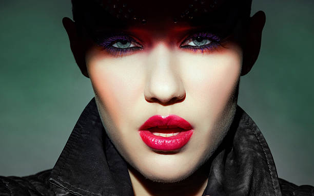 mode - teufel schminken stock-fotos und bilder