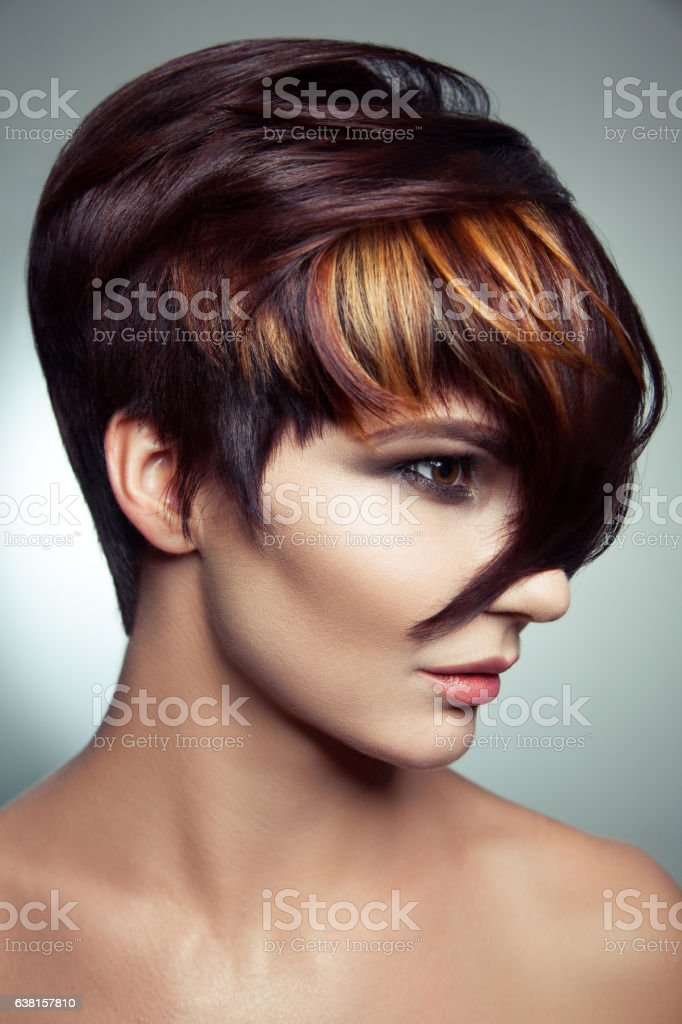 Fashion portrait  colored dyed hair, professional short hair coloring. – Foto