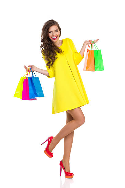 mode shopping - kleider günstig kaufen stock-fotos und bilder