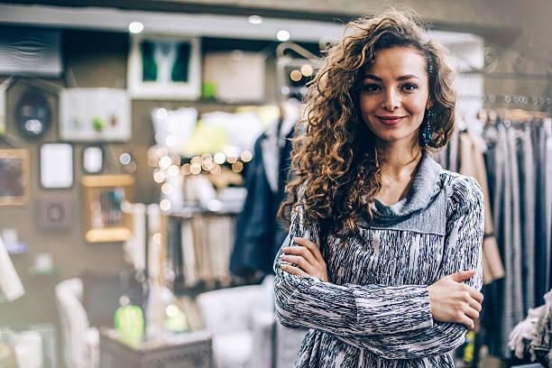 mode-store-eigentümer - einzelhandelsarbeiter stock-fotos und bilder
