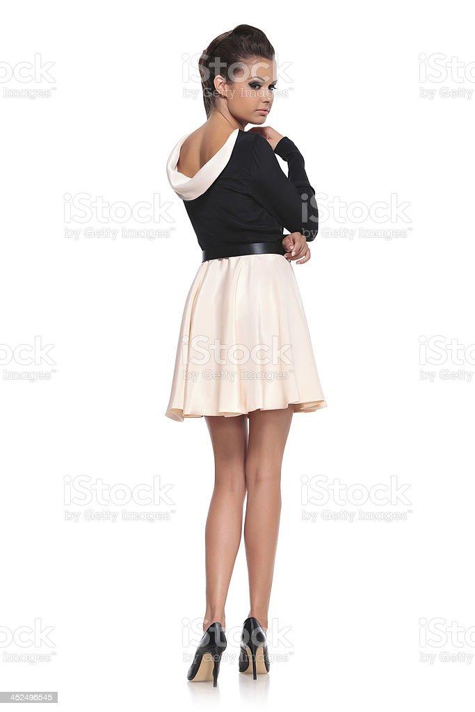 8701c48731f3 Moda Donna In Posa Sexy Abito Corto - Fotografie stock e altre ...
