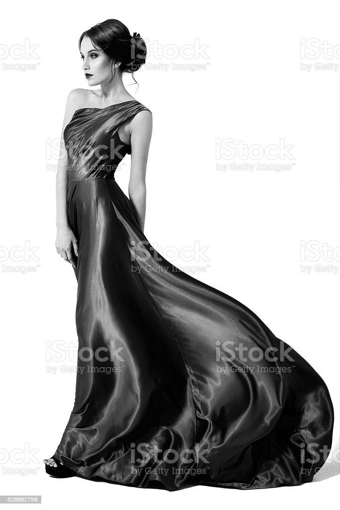 f59f27ccad21 Moda Donna in svolazzanti vestito. Immagine in bianco e nero. foto stock  royalty-