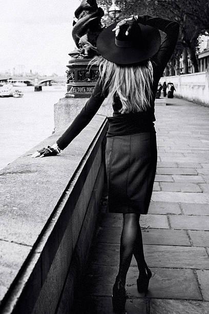 mode femme  - mode londres photos et images de collection