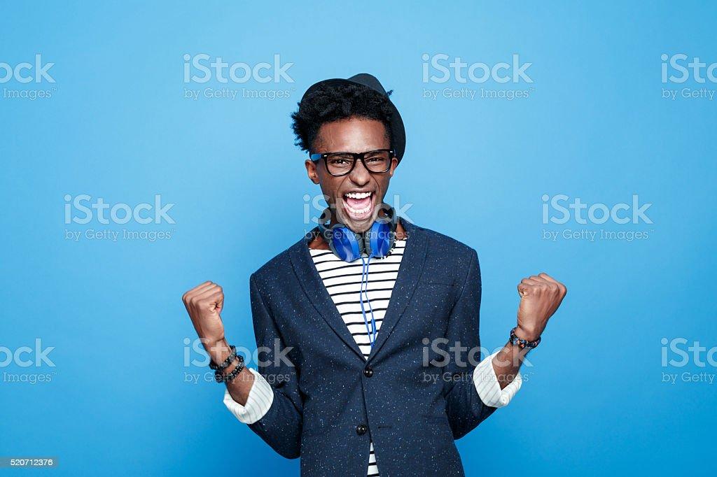 De moda afro americano chico expresan Felicidad - foto de stock