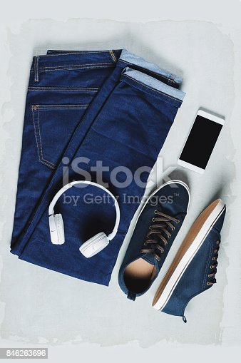 917262406istockphoto Fashionable men's clothing. Jeans and accessories 846263696