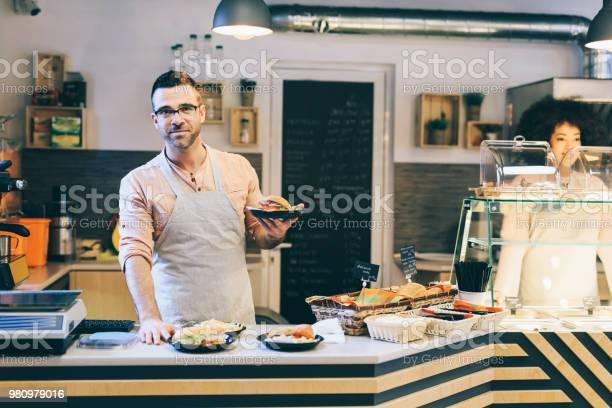 Fast food restaurant worker picture id980979016?b=1&k=6&m=980979016&s=612x612&h=gtotokzr9mz516h4x0lanuucs3oqnkxgx gjltp2d u=
