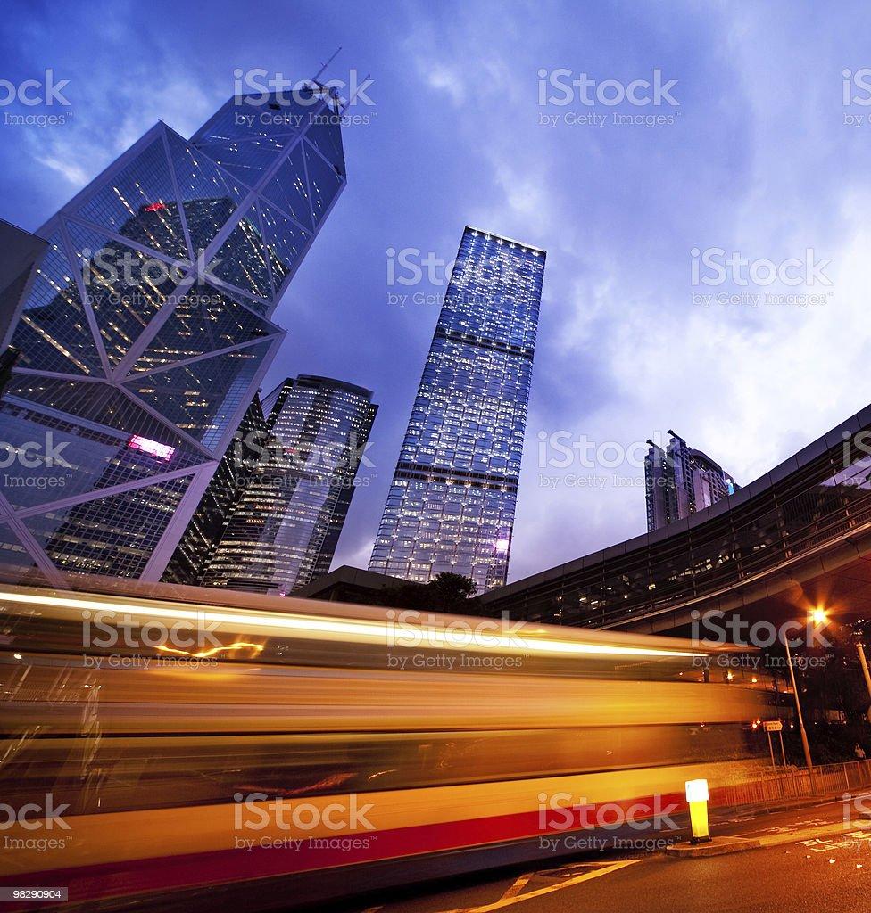 Veloci movimento degli autobus di notte foto stock royalty-free