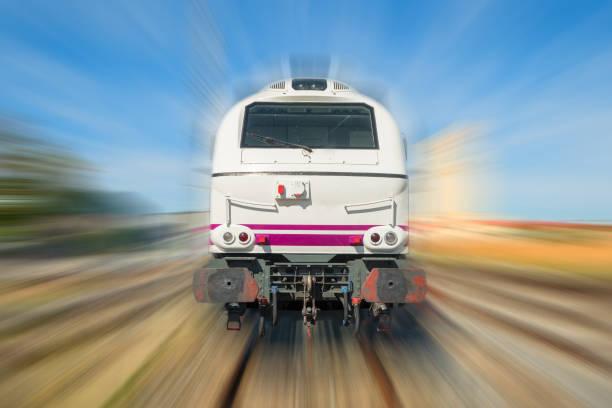 Tren pasando por - foto de stock
