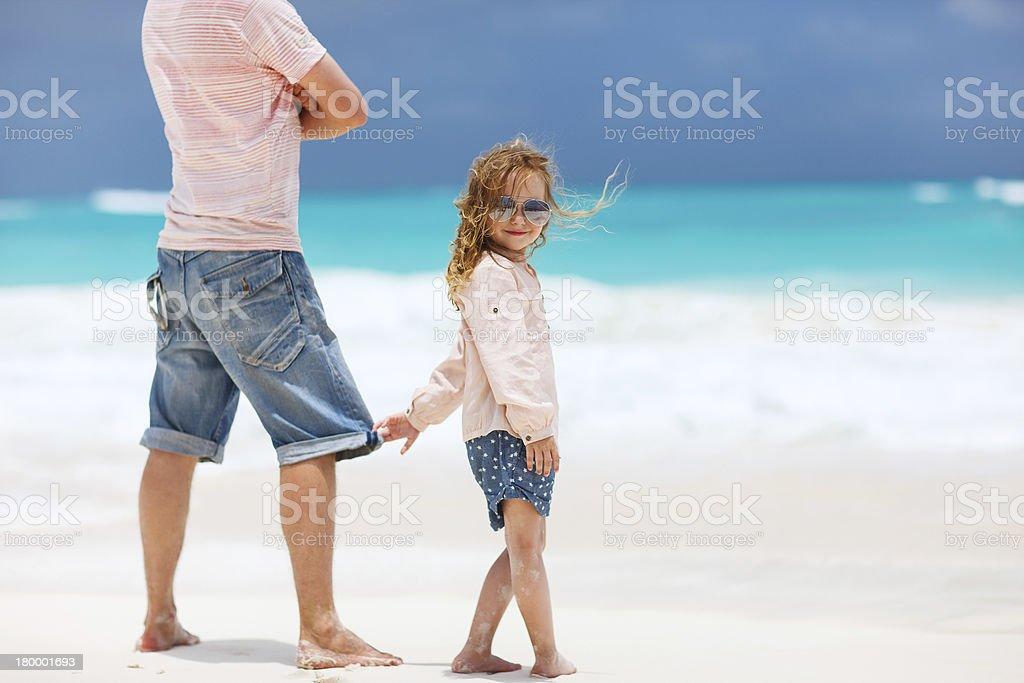 파더 및 딸이다 해변에서 royalty-free 스톡 사진